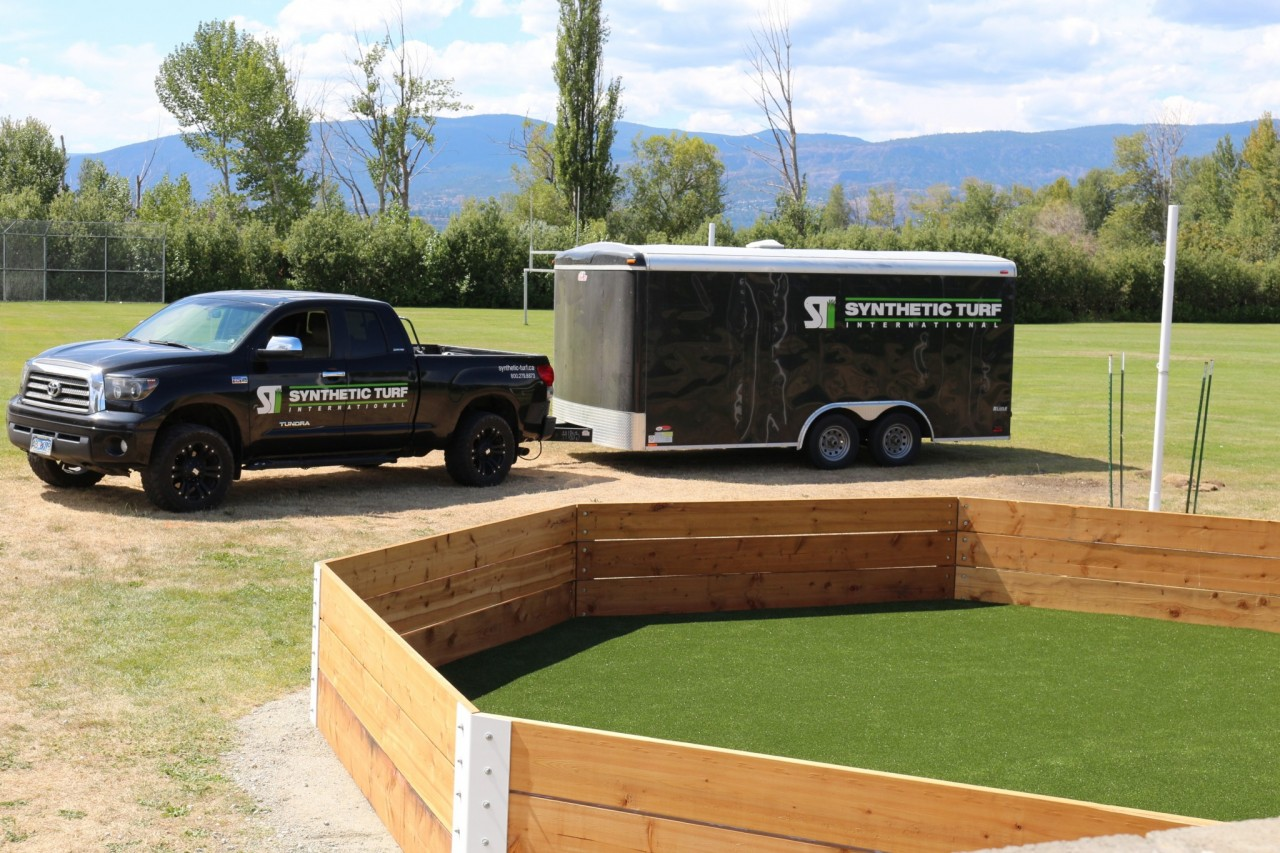 gaga-pit-synthetic-turf-truck