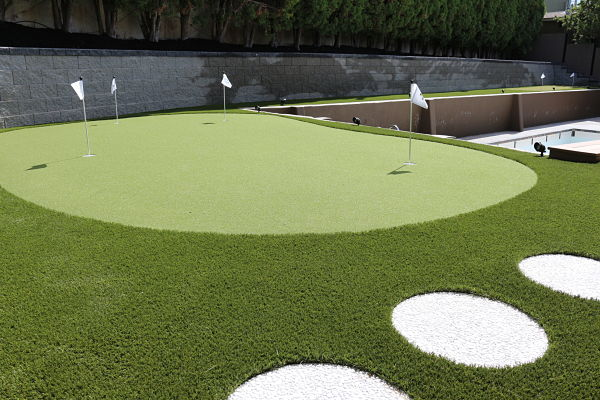 Unique Synthetic Turf Putting Green Installation