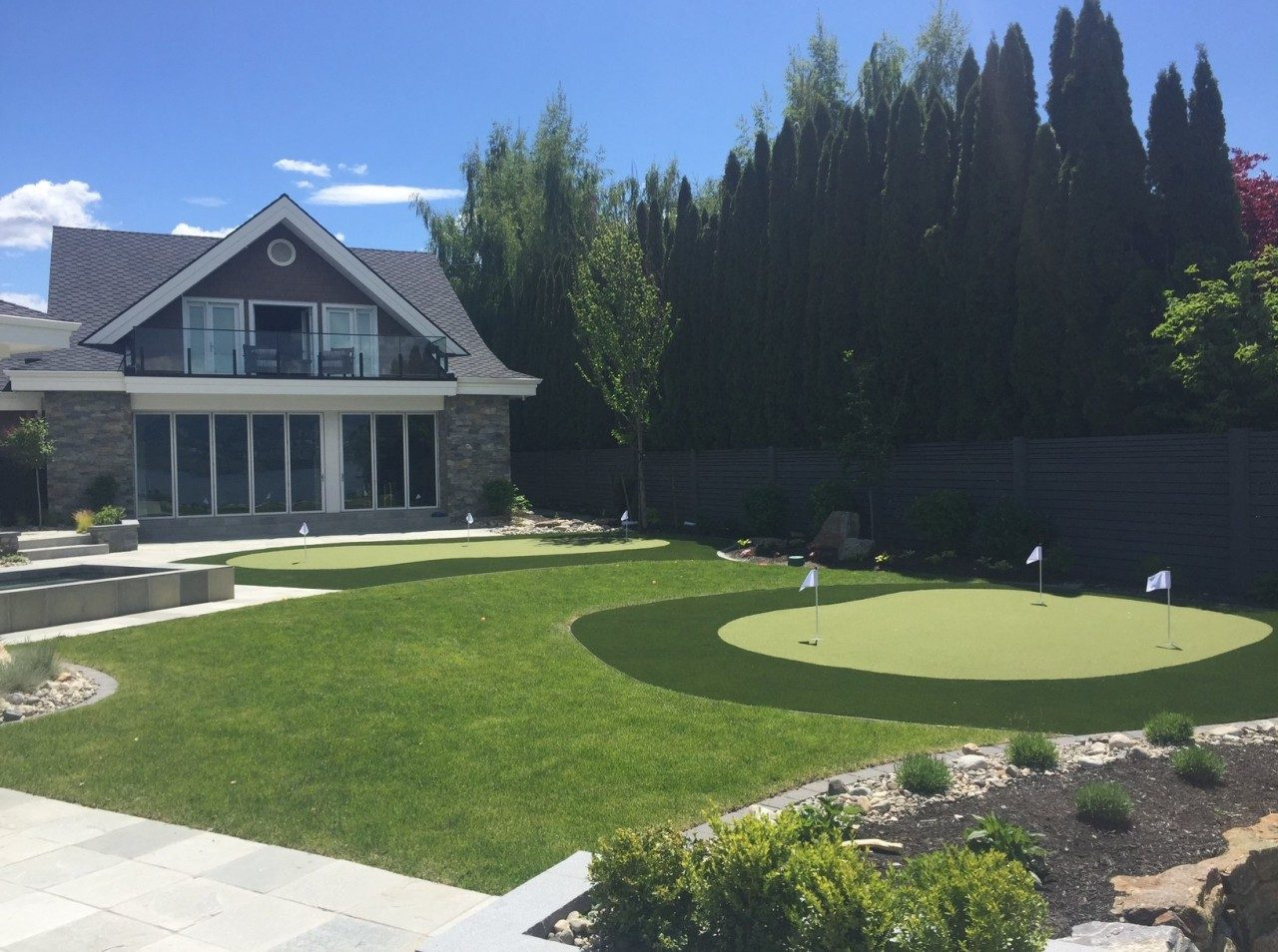 Synthetic Golf Turf Oasis in Kelowna