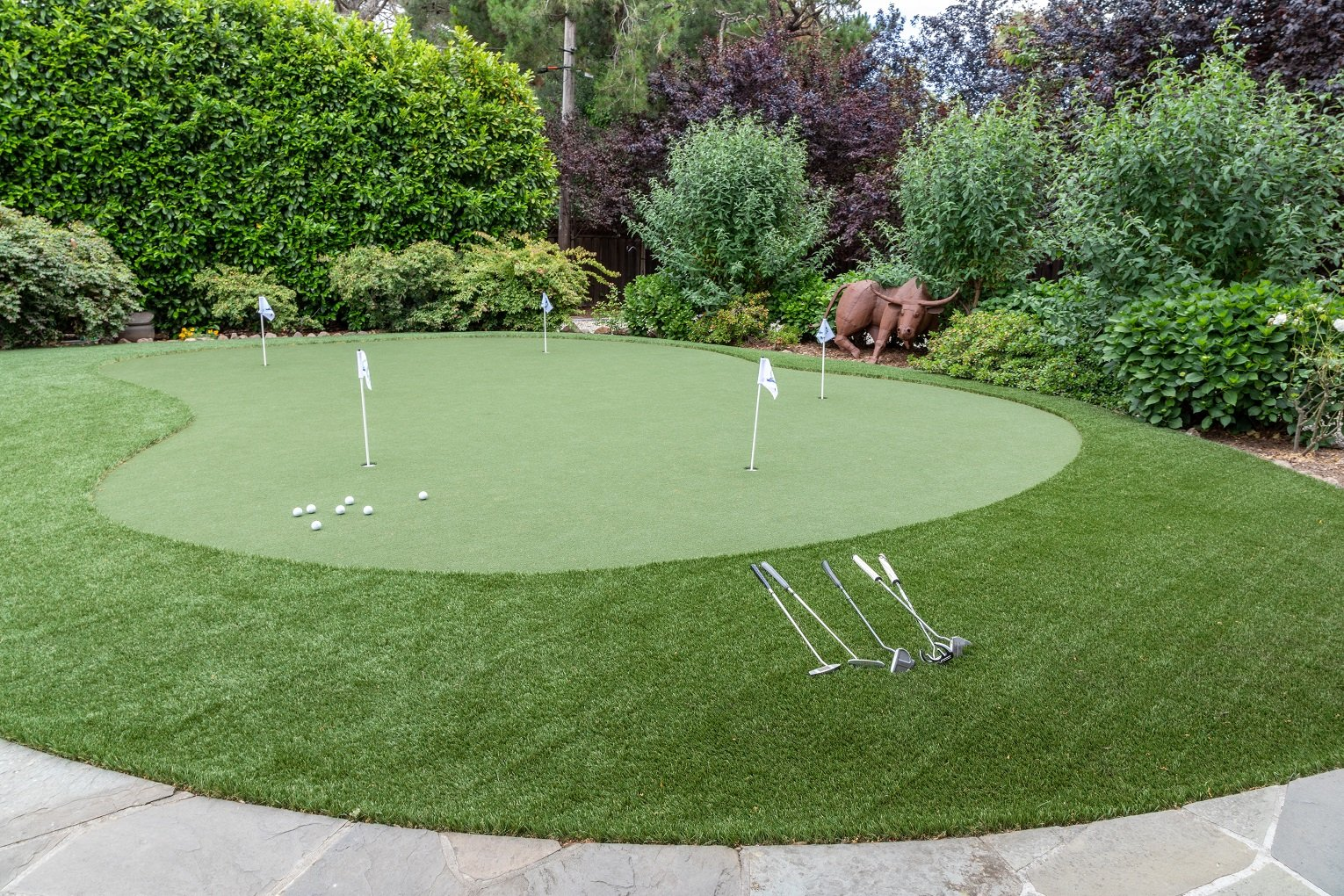 how to install artificial putting green photo 1 Synthetic Turf International Canada