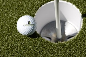 Using Artificial Grass Tee Lines to Extend Your Golf Game