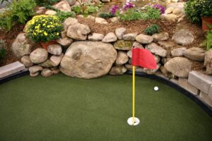 How to Build a Putting Green With Artificial Grass